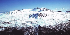 Mauna_Kea_Summit_in_Winter